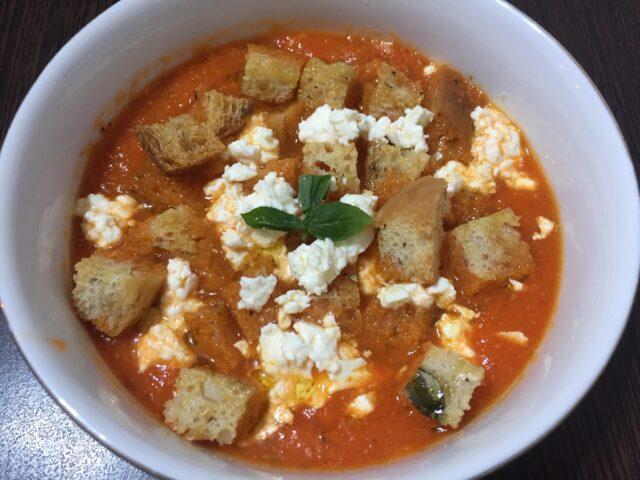 Gazpacho sau supa cruda si rece de legume